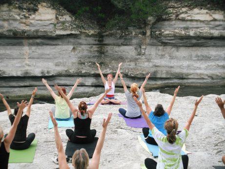 ženy jóga cvičení hubnutí