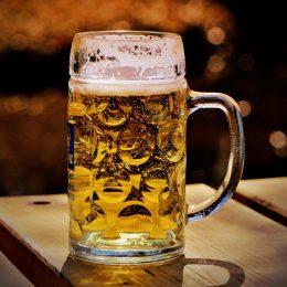pivo obsahuje fytoestrogeny