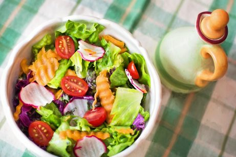 Každý den si dopřejte čerstvý salát, je významným zdrojem kyseliny listové